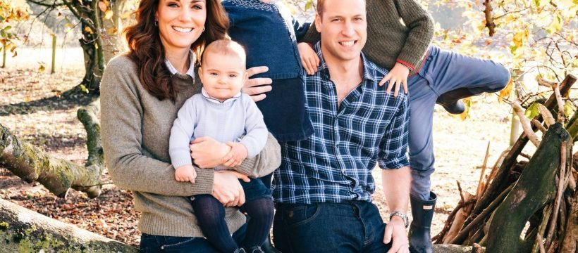 The Cambridges Sussexes Released Their Sweet Christmas Card Photos